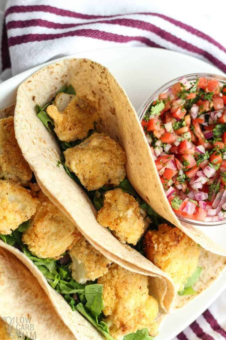 Top view of the breaded fish in the low-carb tortillas