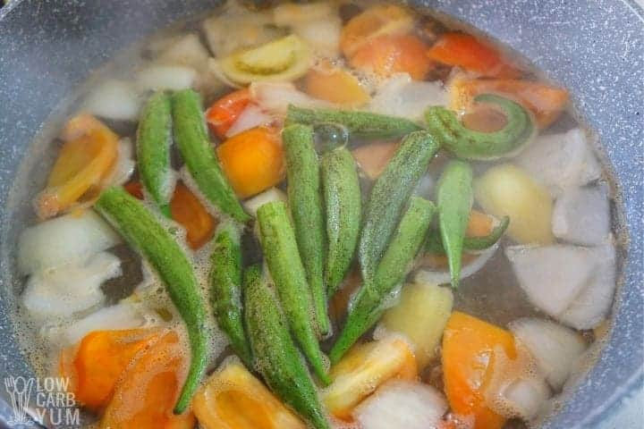 Adding okra after boiling water