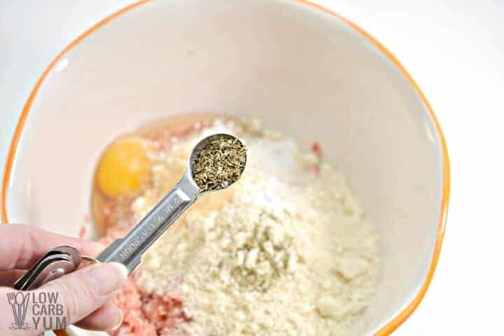 seasoning meat mixture