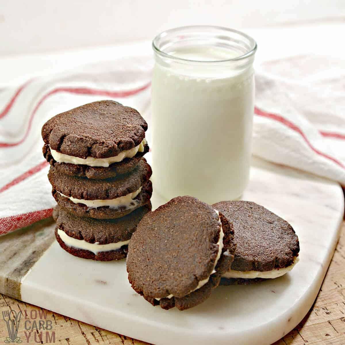 Receita de biscoitos sem glúten Keto Oreo