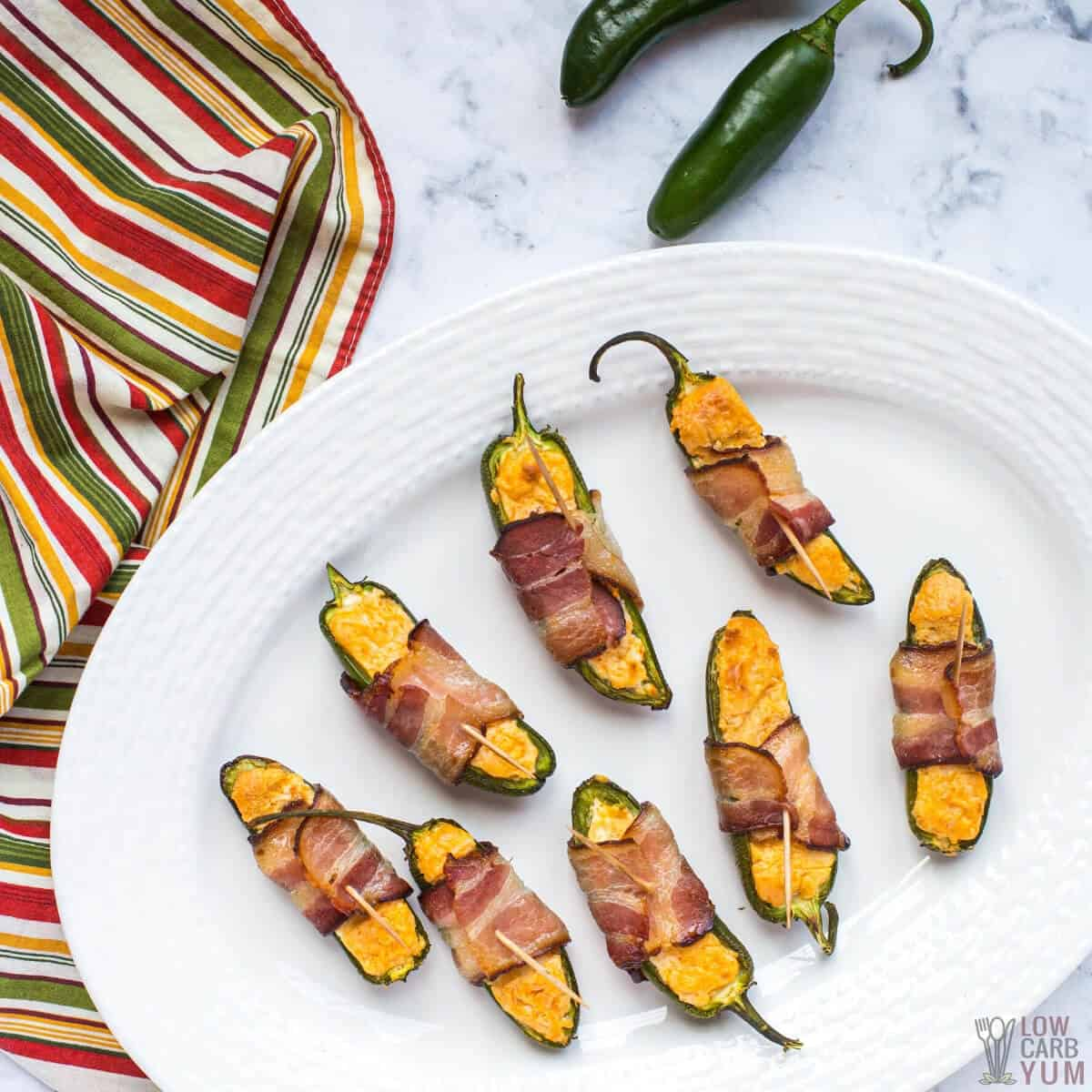 keto air fryer jalapeño poppers