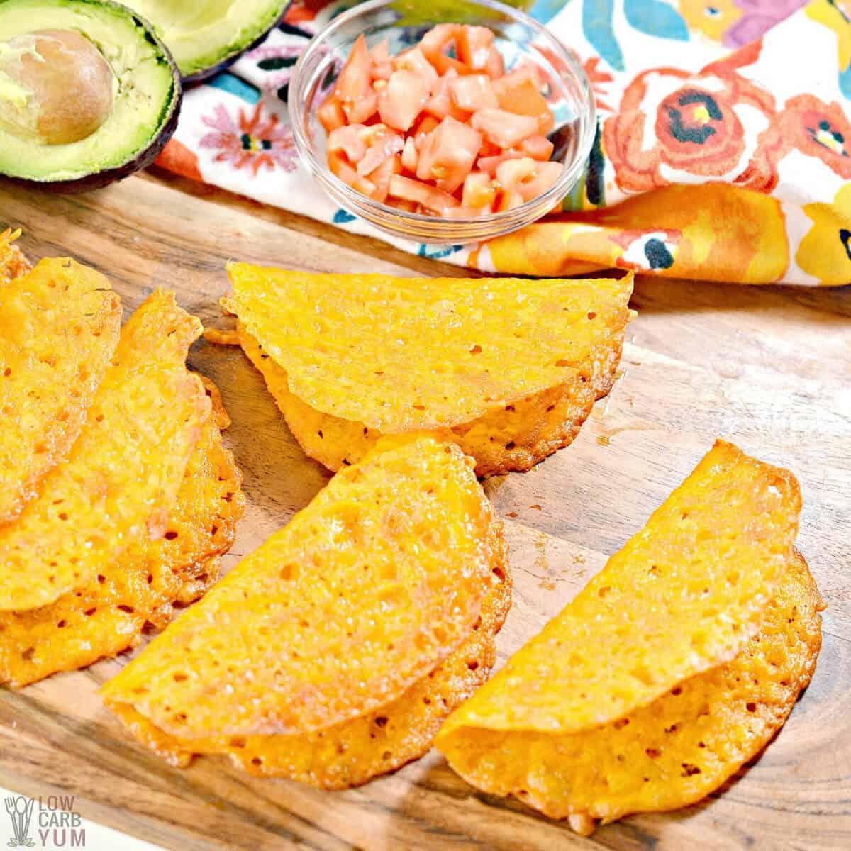 Cascas crocantes de taco de queijo Keto