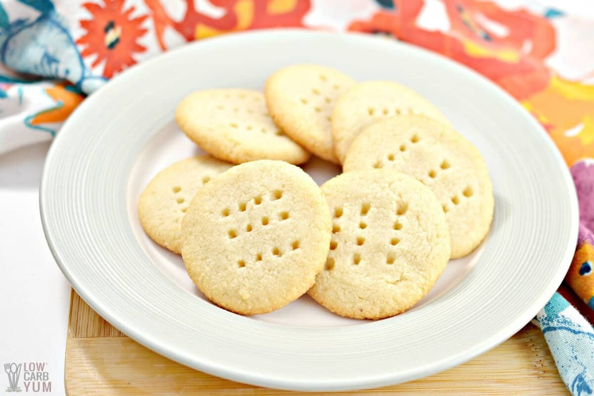 easy keto butter shortbread cookies on plate