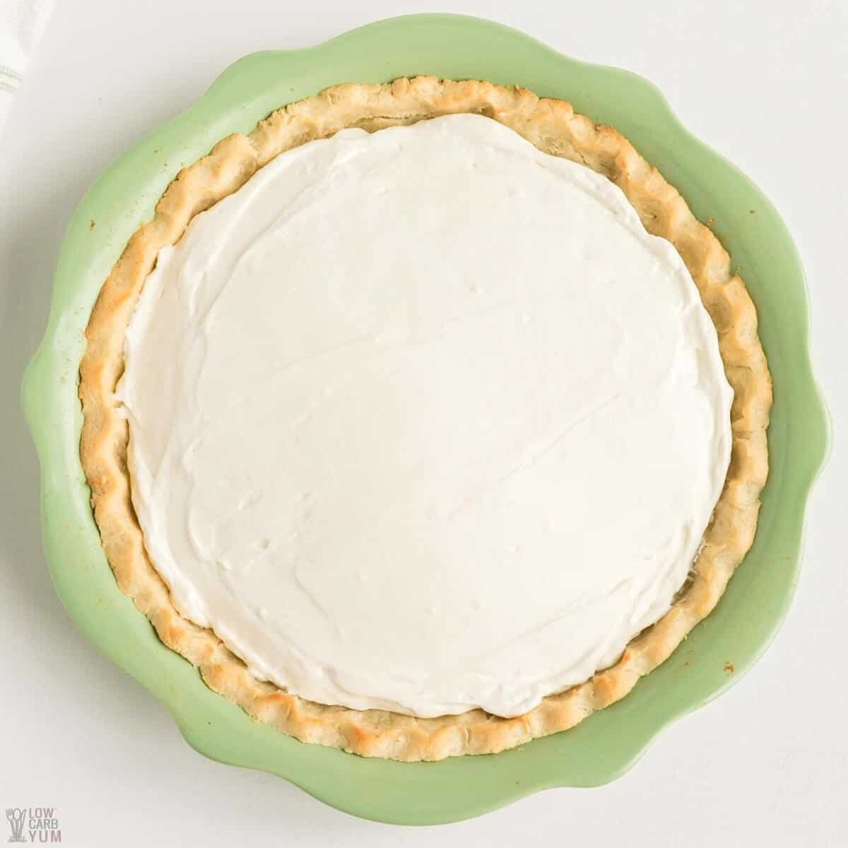 filling in cream cheese pie crust