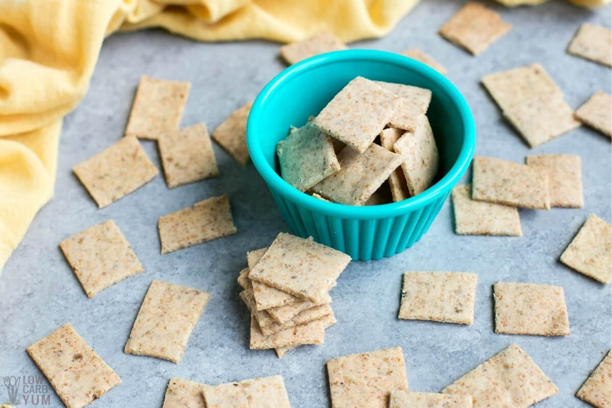 almond flour low carb keto crackers on board and cup