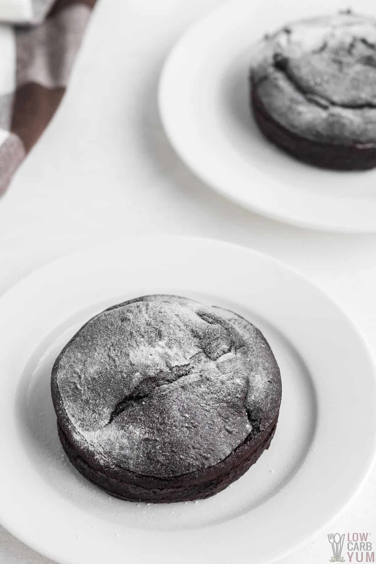 keto chocolate lava cakes dusted with powdered sweetener