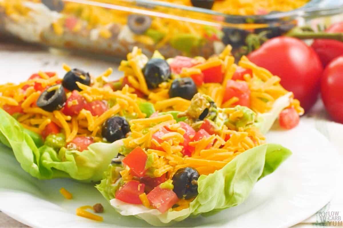 keto taco dip in lettuce leaves