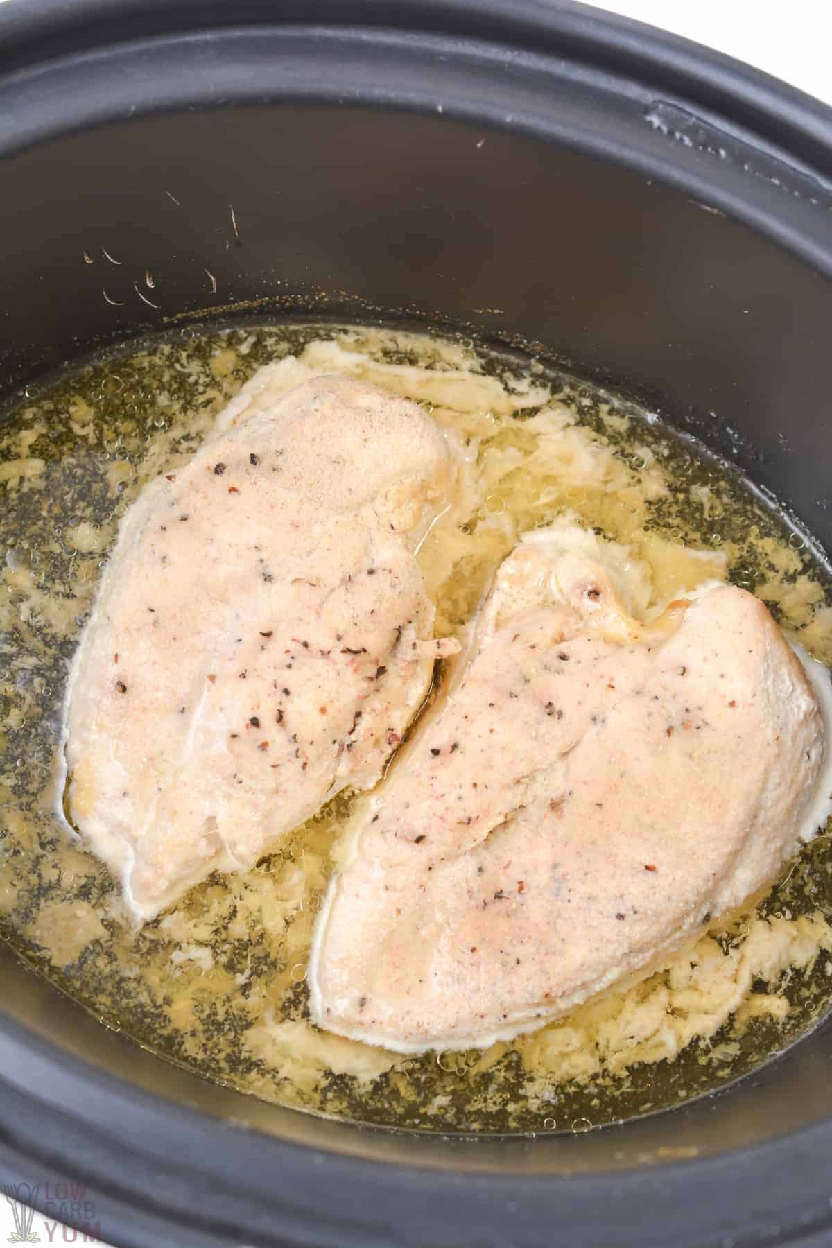 chicken cooked in crockpot