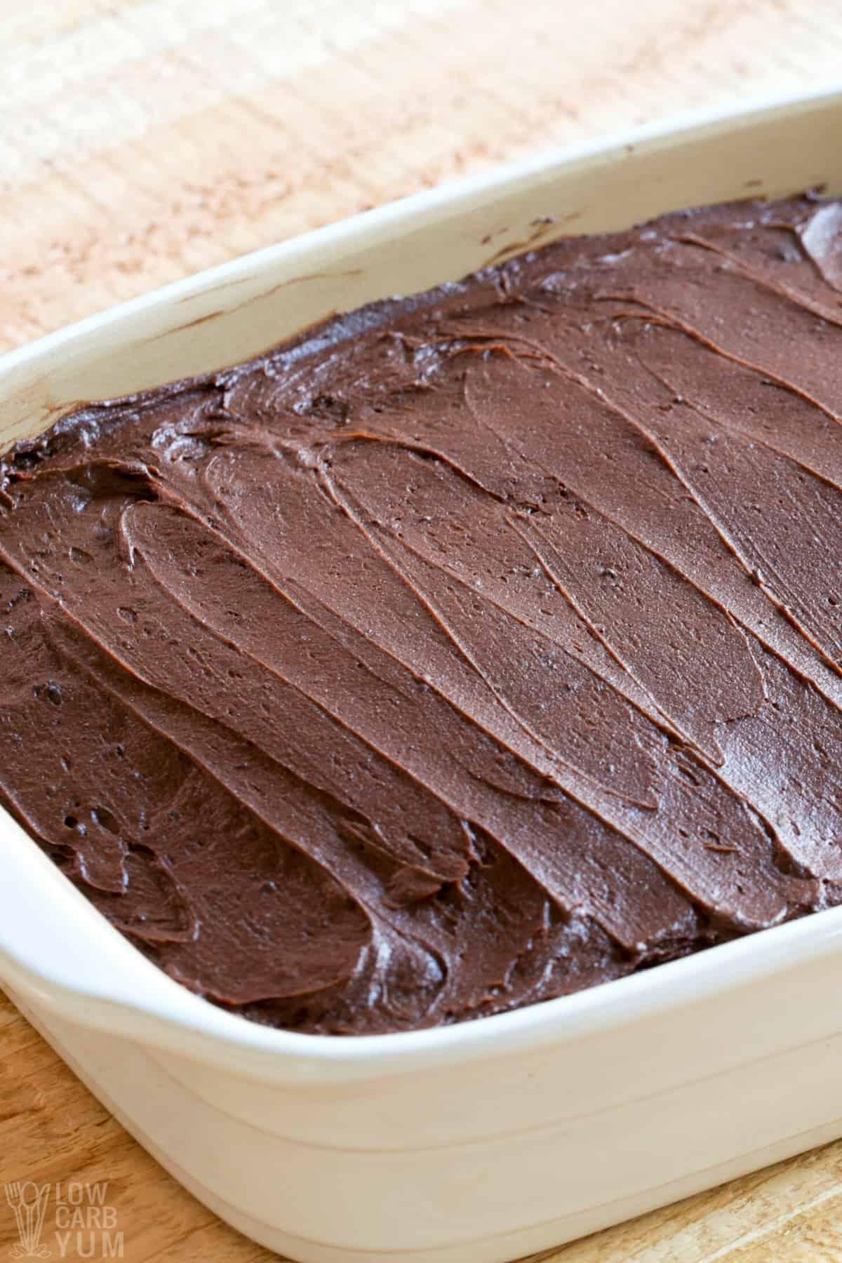 keto chocolate frosting on cake