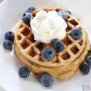 cinnamon waffles featured image