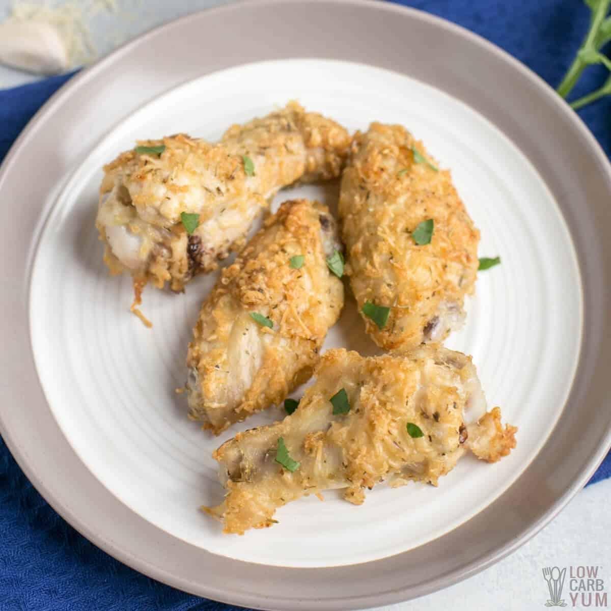 garlic parmesan chicken wings featured image