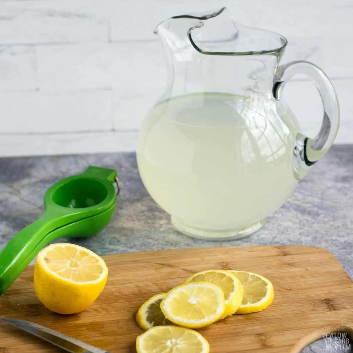 sugar free lemonade in pitcher