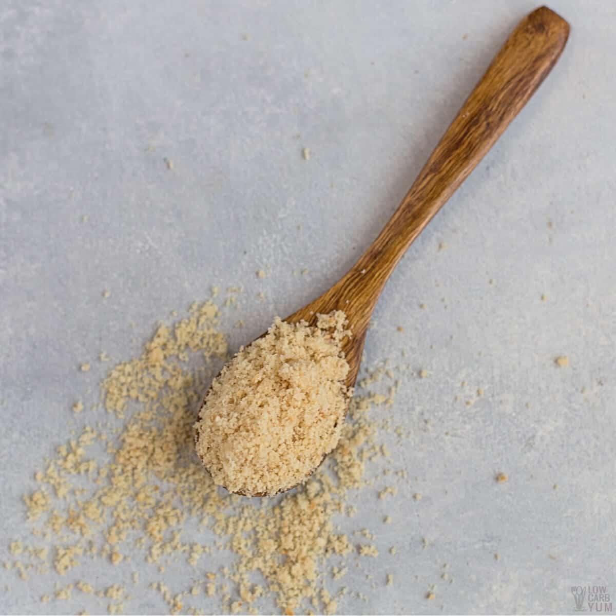 hazelnut flour in spoon